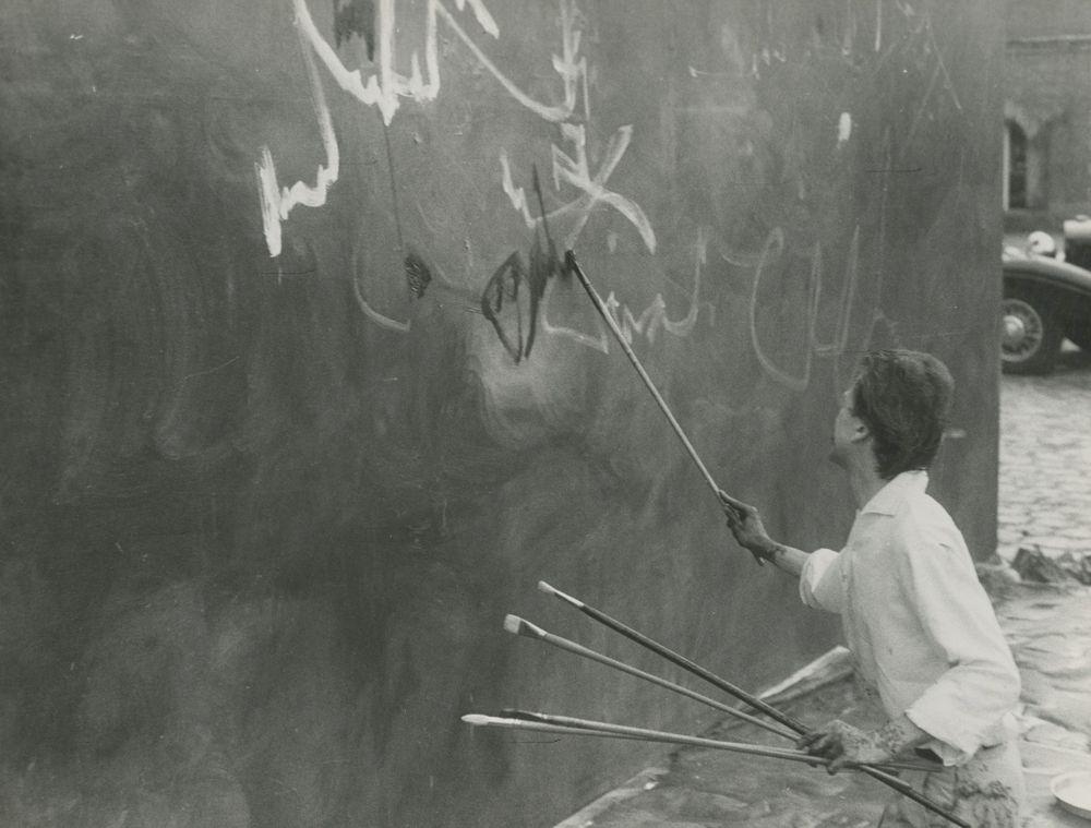 Artist:Georges MATHIEU, Exhibition:Georges Mathieu painting 'L'Entrée de Louis XIII et d'Anne d'Autriche dans Paris', Chateau of Courances, Paris, 1960