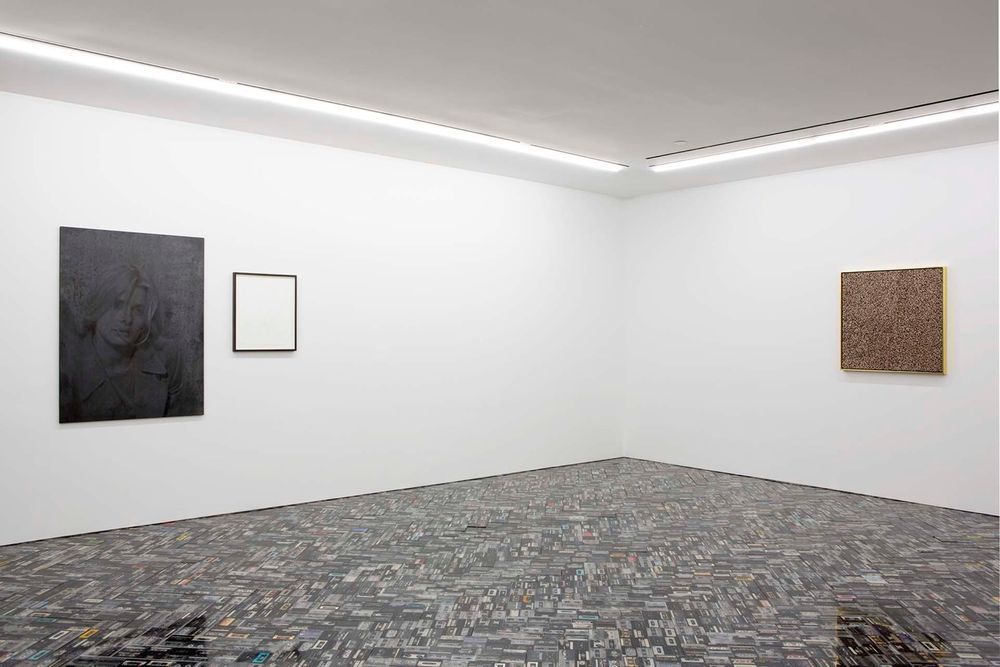 Artist:Gregor HILDEBRANDT, Exhibition:Die Geschichte läuft über uns