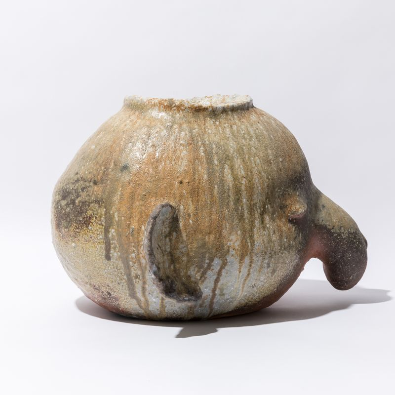 _otani_workshop_Elephant pot fired in Yuji Ueda's kiln__otani_workshop-56562_133191