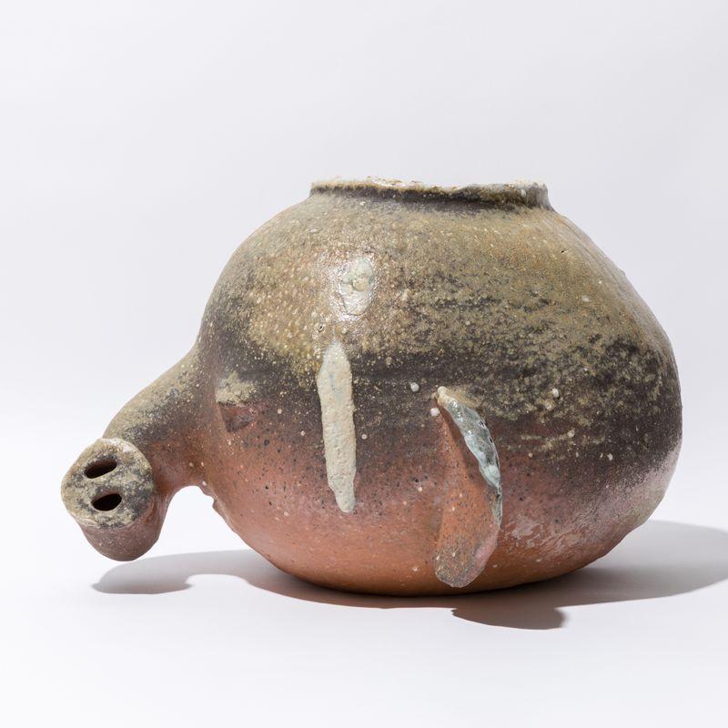 _otani_workshop_Elephant pot fired in Yuji Ueda's kiln__otani_workshop-56562_133192