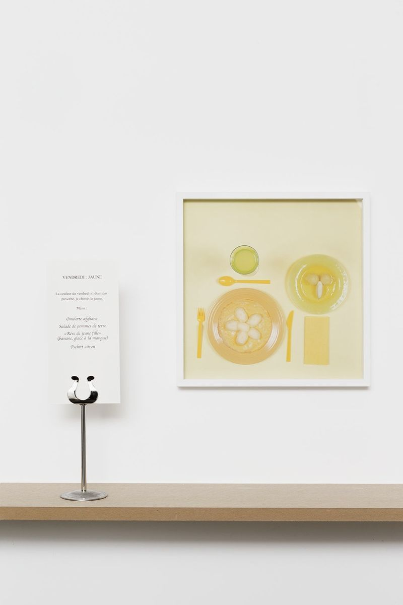 """Vendredi : jauneLa couleur du vendredi n'était pas prescrite, je choisis le jaune.Menu : Omelette afghane, Salade de pommes de terre, """"Rêve de jeune fille"""" (banane, glace à la mangue), Pschitt citron"""