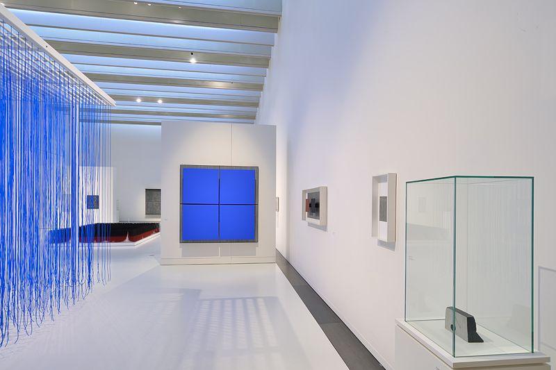 """Jesus_Rafael_Soto_View of the exhibition """"Jesús Rafael Soto. Une rétrospective"""" curated by Matthieu Poirier  at Musée Soulages Rodez (France), 2015_10885_1"""