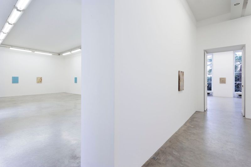 John_Henderson_View of the exhibition  at Perrotin  (France), 2016_10952_1