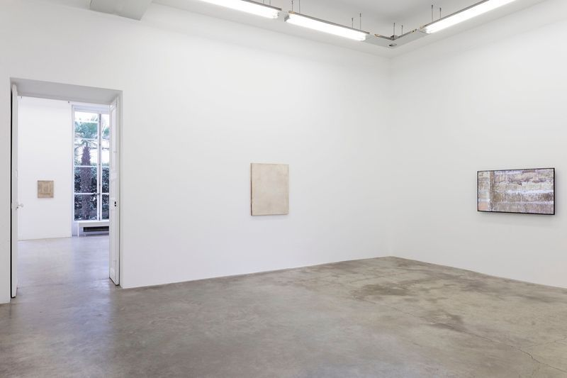 John_Henderson_View of the exhibition  at Perrotin (France), 2016_10953_1