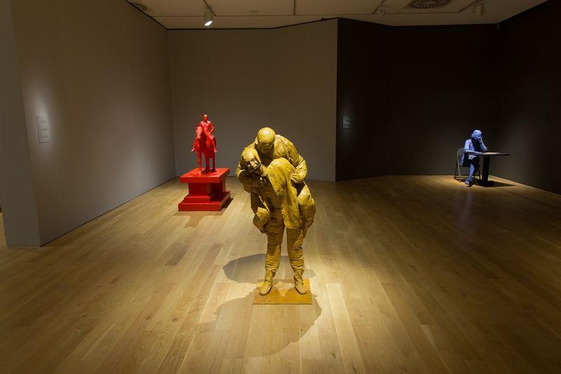 Installation view Escultura hiperrealista 1973 - 2016, Museo de Bellas Artes de Bilbao,07 June - 26 September 2016, © Bilboko Arte Ederren Museoa-Museo de Bellas Artes de Bilbao