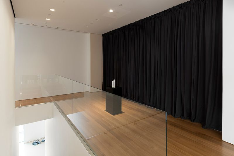 """Elmgreen_et_Dragset_View of the exhibition """"Changing Subjects"""" at Flag Art Foundation  New York (USA), 2016_12405_1"""