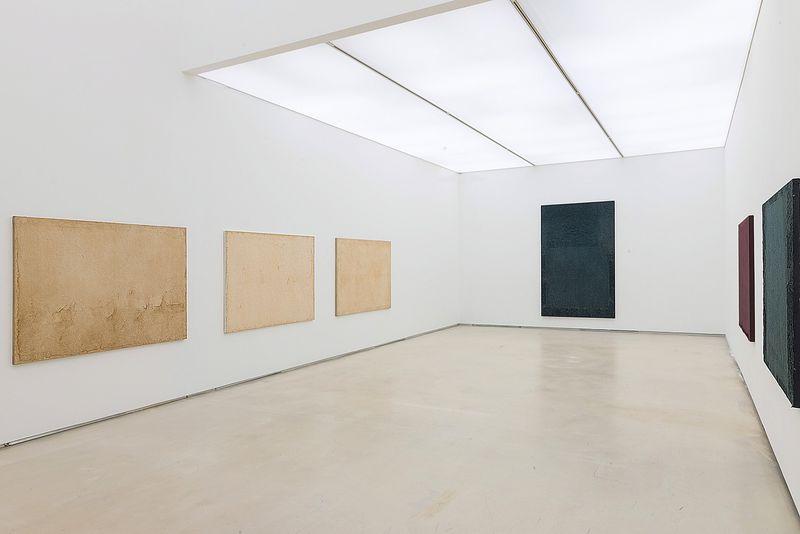 "Chang-Sup_Chung_View of the exhibition ""Chung Chang-Sup ""Meditation"" curated by Yongdae Kim  at Johyun Gallery Busan (South Korea), 2015_12603_1"