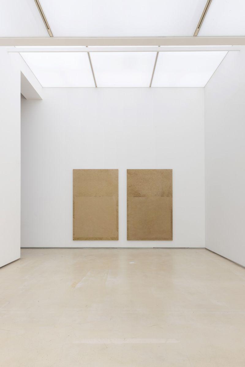 "Chang-Sup_Chung_View of the exhibition ""Chung Chang-Sup ""Meditation"" curated by Yongdae Kim  at Johyun Gallery Busan (South Korea), 2015_12607_1"