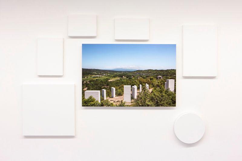 """Claude_Rutault_View of the exhibition """"De Poussin aux peintures-suicides, 1660 à 2012. Claude Rutault"""" curated by Christine Blanchet  at Centre d'Art Contemporain Lithos  Saint Restitut (France), 2017_12921_1"""