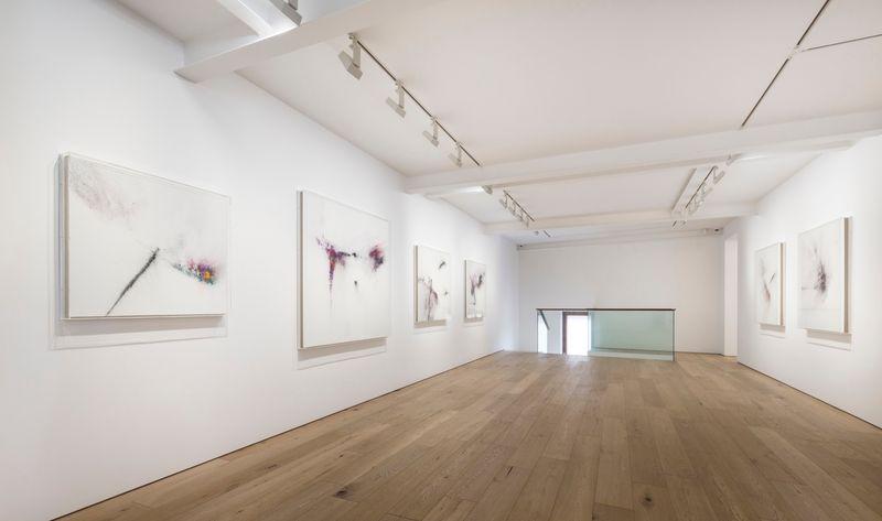 """Thilo_Heinzmann_View of the exhibition """"We, Rivers & Mountains"""" at Perrotin  Seoul (South Korea), 2017_12934_1"""