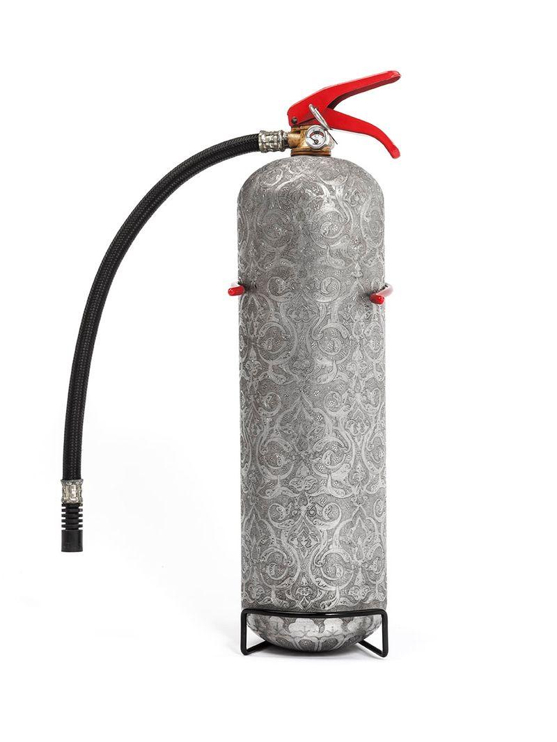 """""""Extincteur"""" / """"Fire extinguisher"""", 2016 /  Aluminium repoussé / Embossed aluminium / 58 x 29 cm, Ø 16 cm / 22 13/16 x 11 7/16 in, Ø 6 5/16 in /  Unique"""