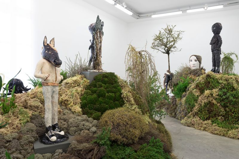 "Klara_Kristalova_View of the exhibition ""Camouflage"" at Perrotin  Paris (France), 2017_14286"