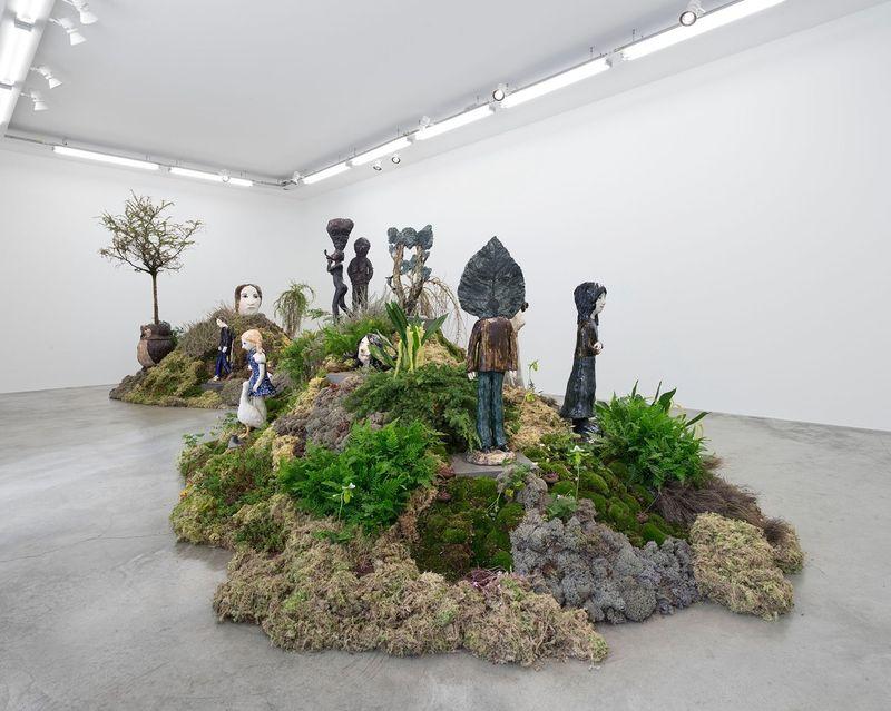 "Klara_Kristalova_View of the exhibition ""Camouflage"" at Perrotin Paris (France), 2017_14293"