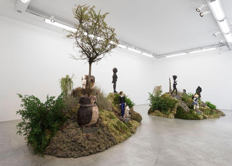 "Klara_Kristalova_View of the exhibition ""Camouflage"" at Perrotin Paris (France), 2017_14294"