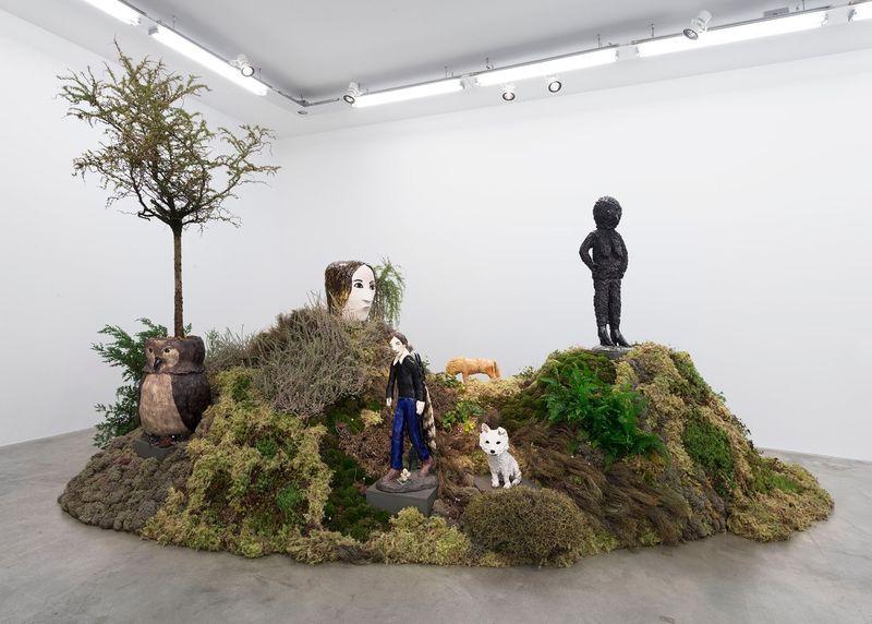 "Klara_Kristalova_View of the exhibition ""Camouflage"" at Perrotin Paris (France), 2017_14295"