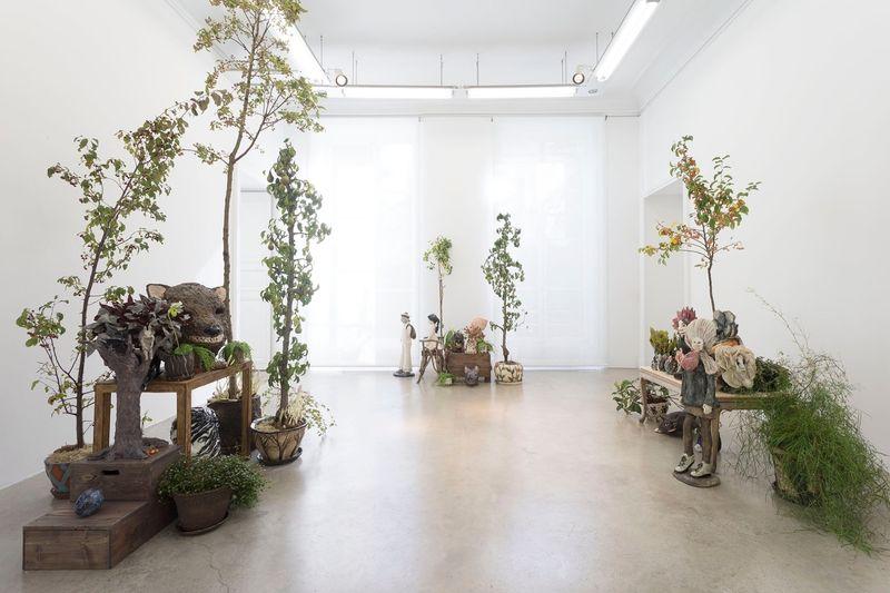 "Klara_Kristalova_View of the exhibition ""Camouflage"" at Perrotin  Paris (France), 2017_14296"