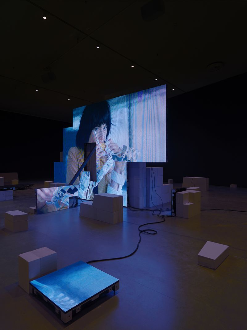"Jesper_Just_View of the exhibition ""Jesper Just"" at EYE Filmmuseum Amsterdam (Pays-Bas), 2017_14906"