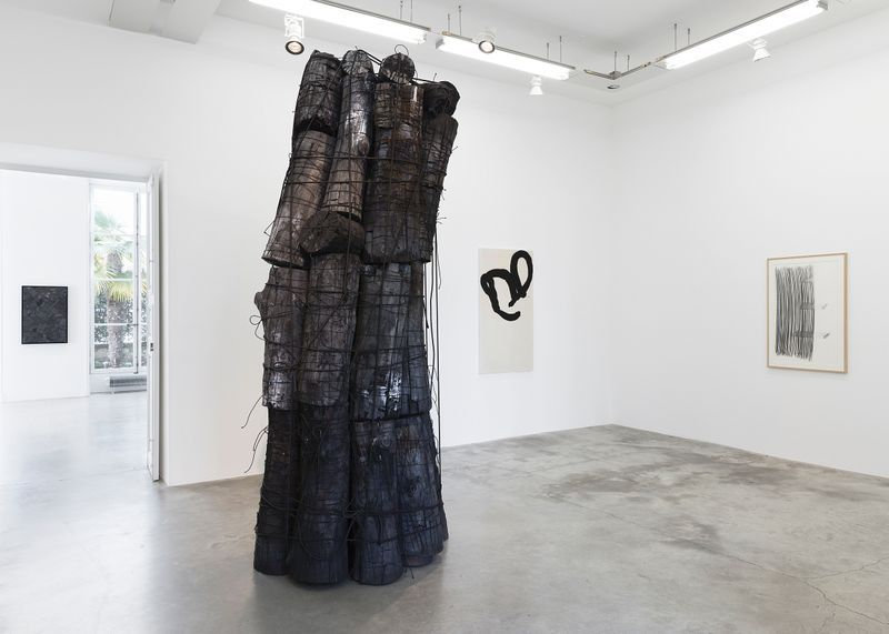 """Bae_Lee_View of the exhibition """"Black Mapping"""" at GALERIE PERROTIN Paris (France), 2018_14985"""