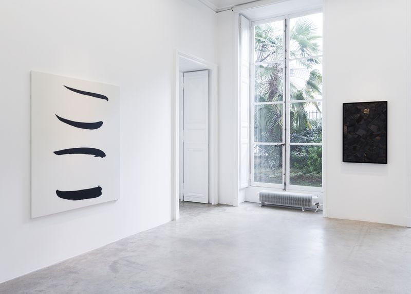 """Bae_Lee_View of the exhibition """"Black Mapping"""" at GALERIE PERROTIN Paris (France), 2018_14989"""