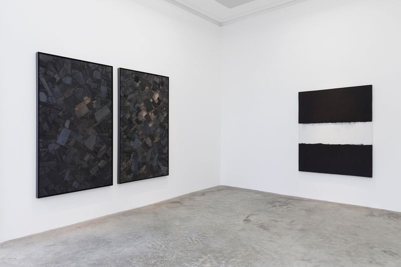 """Bae_Lee_View of the exhibition """"Black Mapping"""" at GALERIE PERROTIN Paris (France), 2018_14990"""