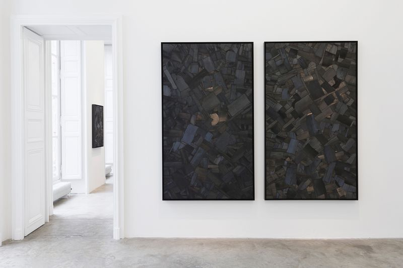 """Bae_Lee_View of the exhibition """"Black Mapping"""" at GALERIE PERROTIN Paris (France), 2018_14991"""