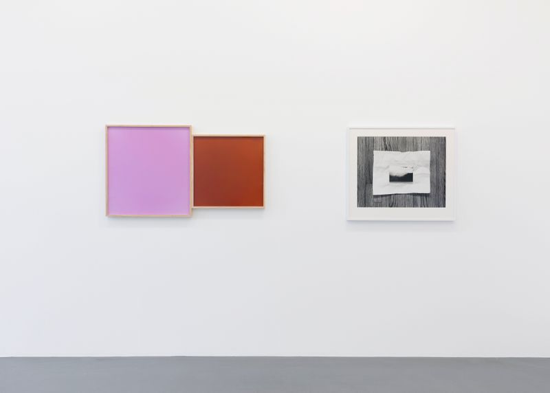 Leslie_Hewitt_View of the exhibition  at GALERIE PERROTIN  Paris (France), 2018_15811