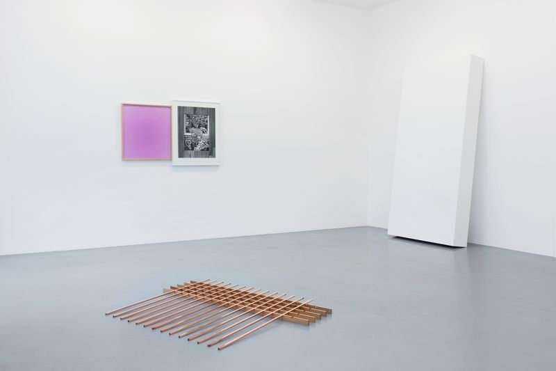 Leslie_Hewitt_View of the exhibition  at GALERIE PERROTIN  Paris (France), 2018_15815