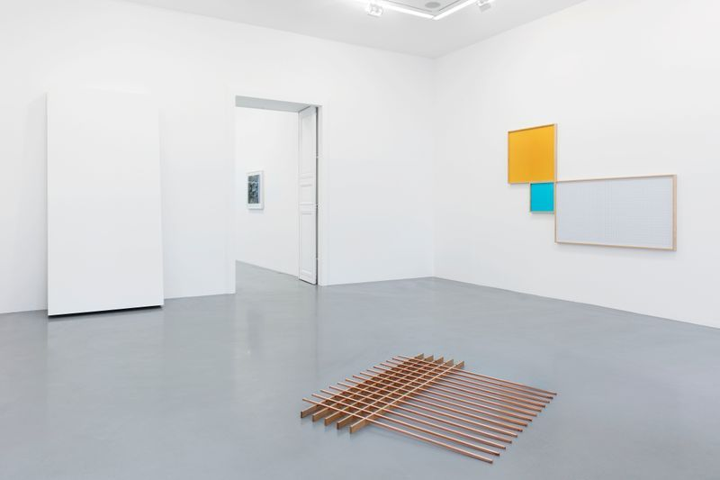 Leslie_Hewitt_View of the exhibition  at GALERIE PERROTIN  Paris (France), 2018_15816