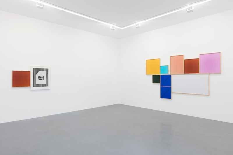 Leslie_Hewitt_View of the exhibition  at GALERIE PERROTIN  Paris (France), 2018_15856