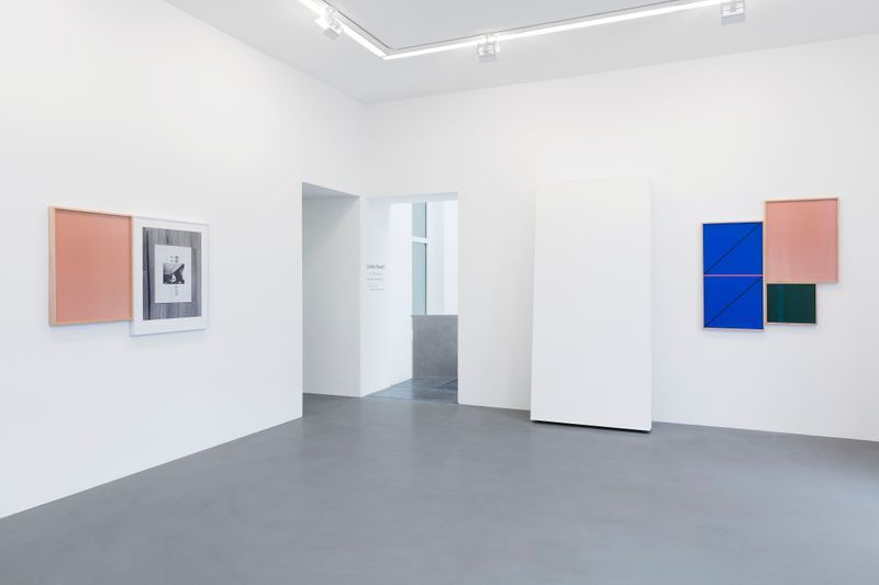 Leslie_Hewitt_View of the exhibition  at GALERIE PERROTIN  Paris (France), 2018_15861