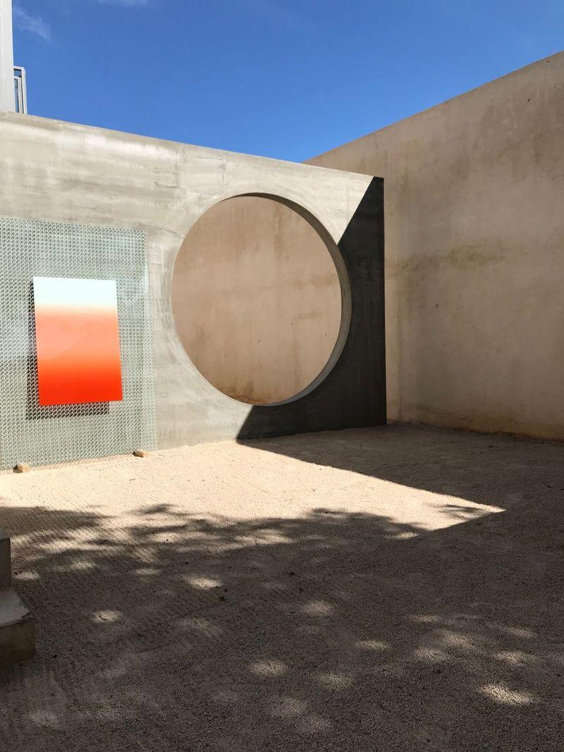 """View of the exhibition """"FUTURA"""" at joségarcía ,mx, Mérida, 2017."""