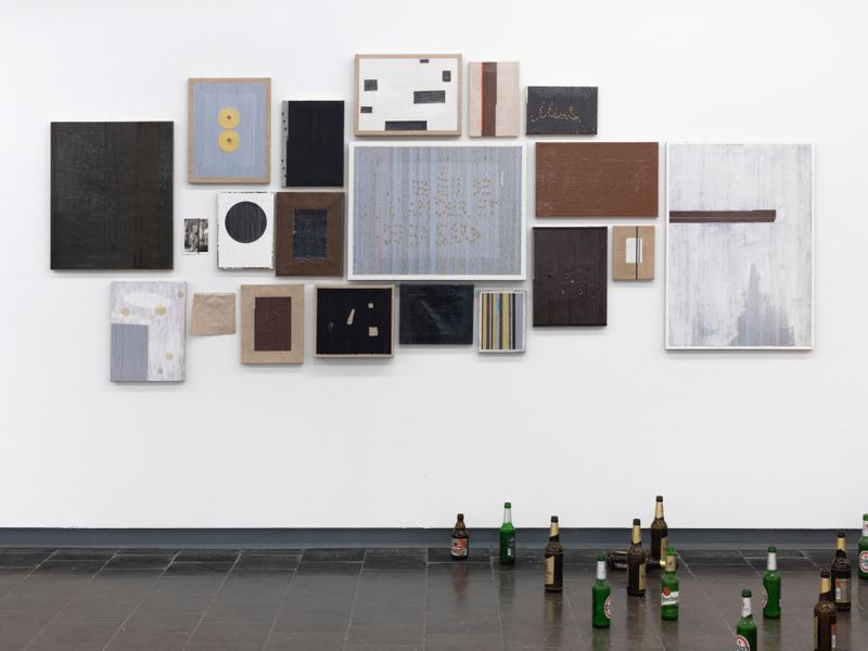 "Gregor_Hildebrandt_View of the exhibition ""Tönend hallt die Jugend"" at KUNSTHALLE RECKLINGHAUSEN Recklinghausen, 2018_16185"