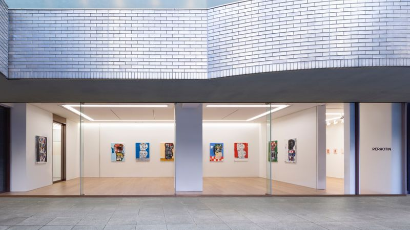"eddie_martinez_View of the exhibition ""Blockhead Stacks"" at Perrotin Co., Ltd. Tokyo (Japon), 2018_16492_v_1575372799"
