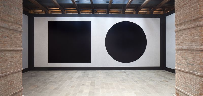 Wall Drawing #343 (Left: A, Right: B) at Punta della Dogana, Venice, 2016