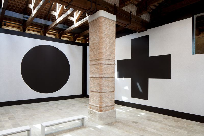 Wall Drawing #343 (Left: B, Right: G) at Punta della Dogana, Venice, Italy, 2016