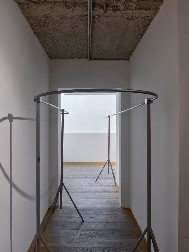 """Michael_Sailstorfer_View of the exhibition """"Space is the Place (2/4) : Michael Sailstorfer"""" at BNKR Art Center  Munich (Germany)_16909"""