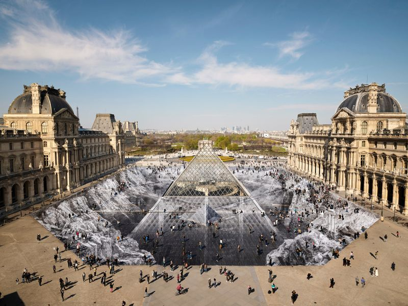 View of the installation at the Musée du Louvre, Paris (France), 2019