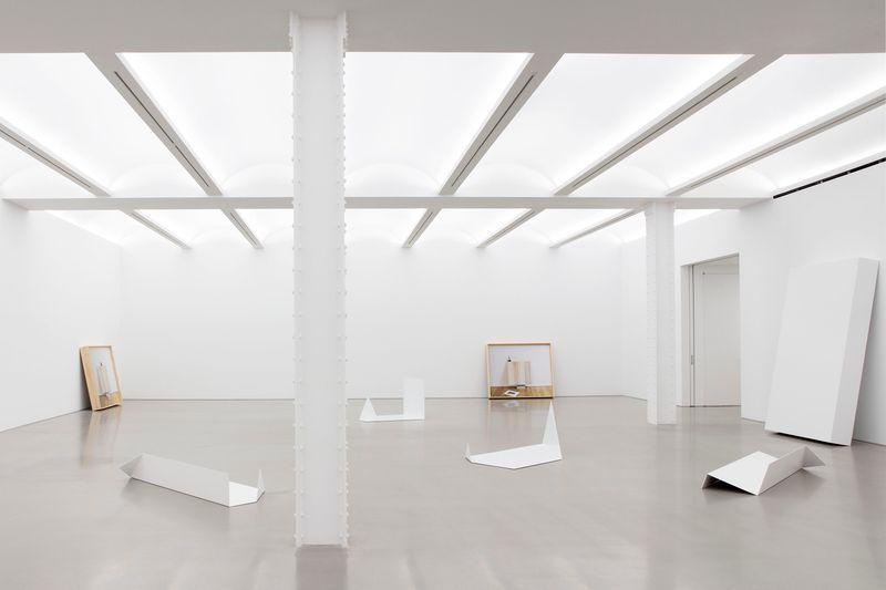 """Leslie_Hewitt_View of the exhibition """"Reading Room"""" at Perrotin, New York (USA), 2019_21081"""