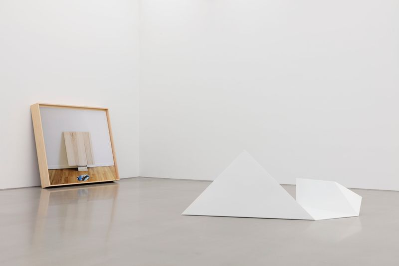 """Leslie_Hewitt_View of the exhibition """"Reading Room"""" at Perrotin, New York (USA), 2019_21082"""
