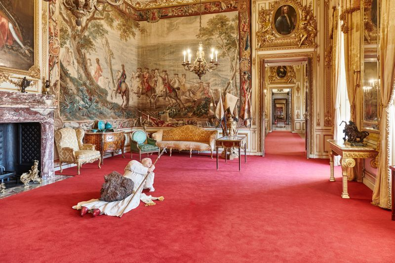 """Maurizio_Cattelan_View of the exhibition """"Victory is Not an Option"""" at Blenheim Palace OXFORD (United Kingdom)_21100"""