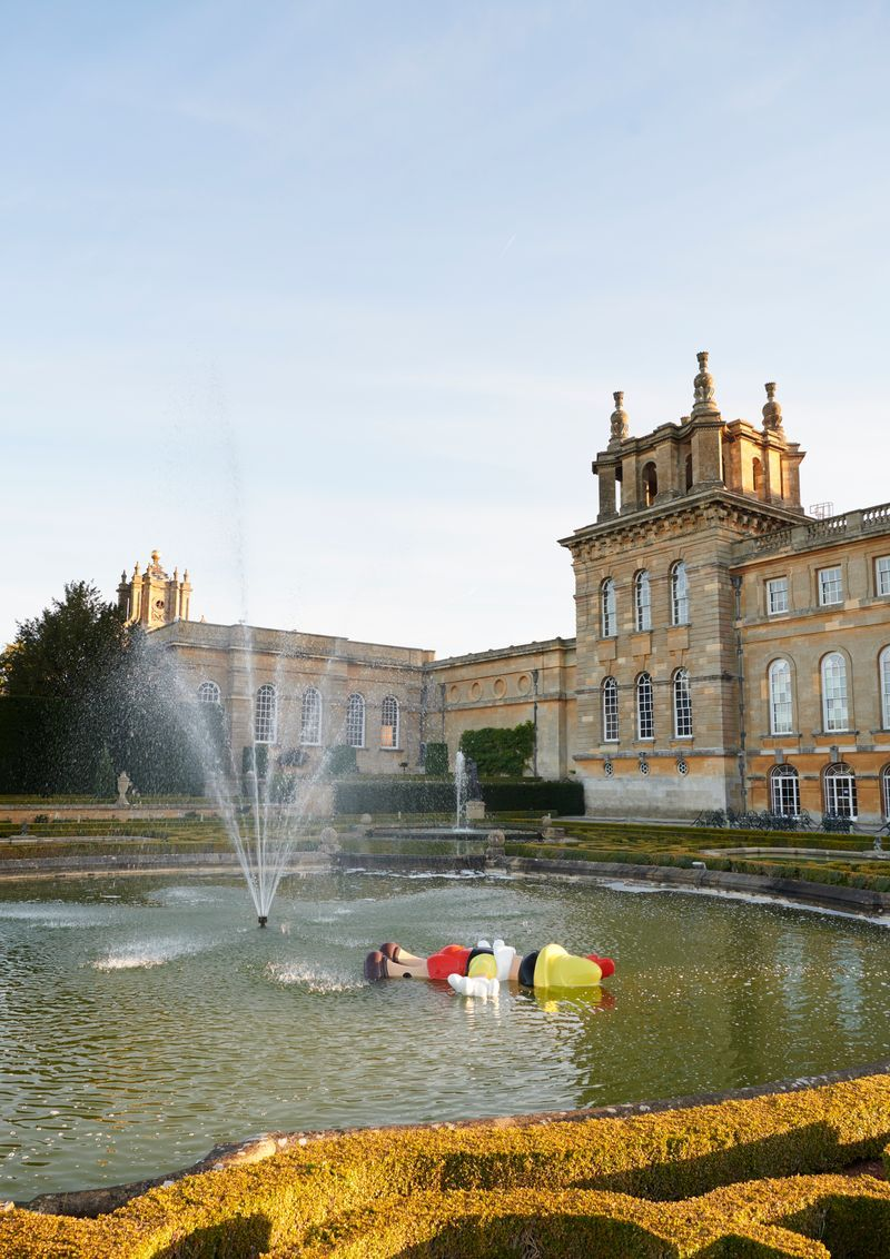 """Maurizio_Cattelan_View of the exhibition """"Victory is Not an Option"""" at Blenheim Palace  OXFORD (United Kingdom)_21139"""