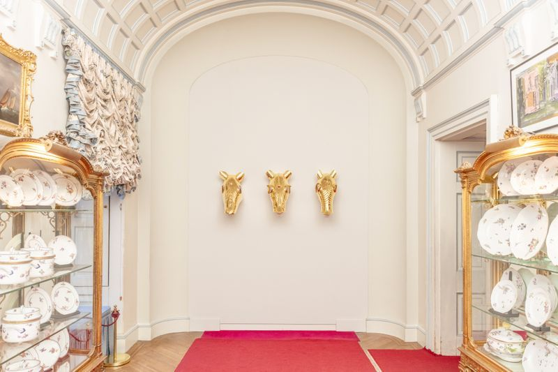 """Maurizio_Cattelan_View of the exhibition """"Victory is Not an Option"""" at Blenheim Palace  OXFORD (United Kingdom)_21150"""