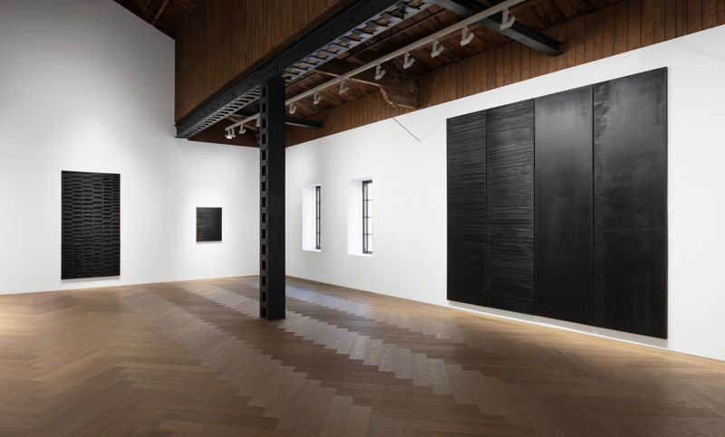 Pierre_Soulages_View of the exhibition  at Perrotin, Shanghai (Chine), 2019_21847