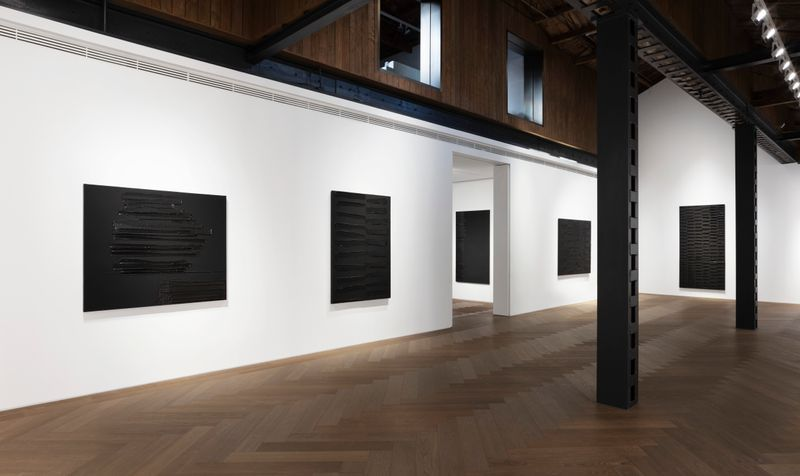 Pierre_Soulages_View of the exhibition  at Perrotin, Shanghai (Chine), 2019_21848