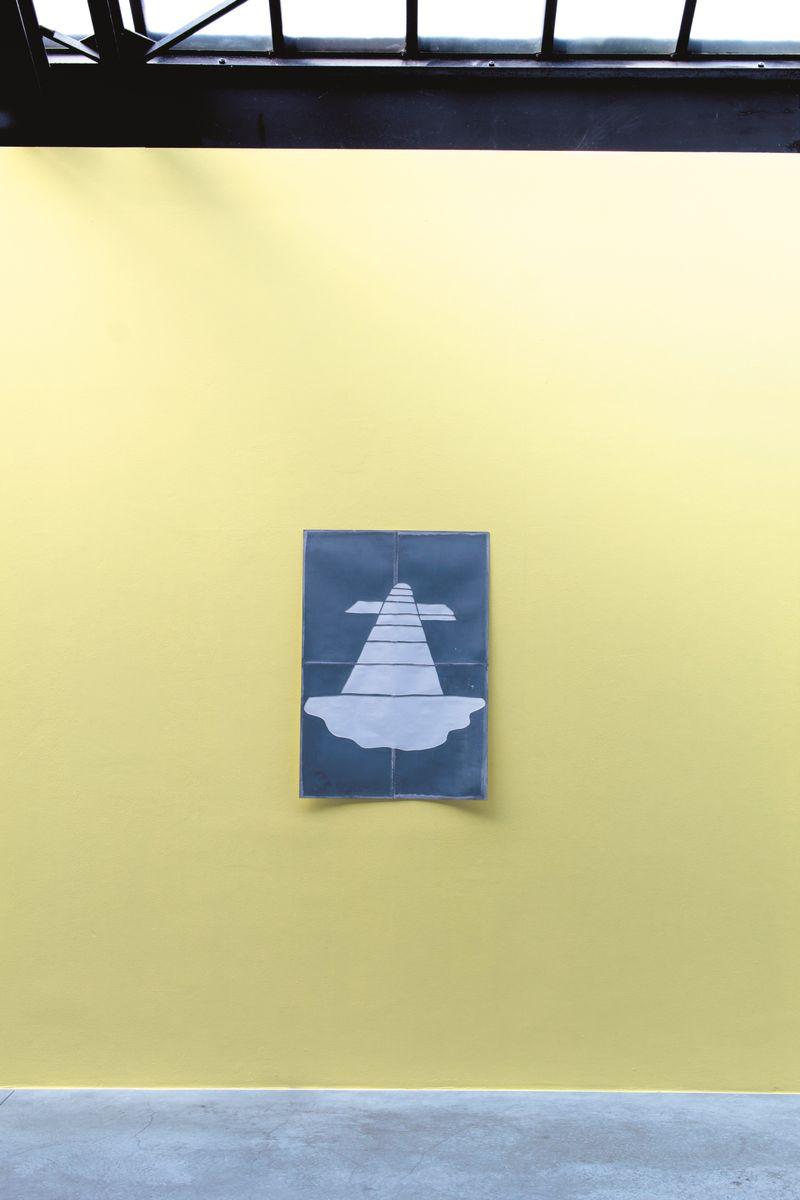 """Claude_Rutault_View of the exhibition """"monochrome 5 sur une grille de marelle"""" at Fondation CAB Bruxelles (Belgium), 2019_21894"""