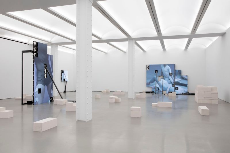 "Jesper_Just_View of the exhibition ""Jesper Just in conversation with Giuliana Bruno"" at Perrotin, New York (USA)_22249"