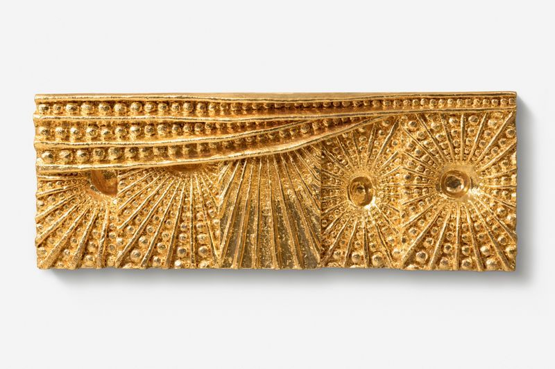 "JOHAN CRETEN, ""5 Suns under the sky"", 2018, Glazed stoneware, gold luster, 42 x 112 x 11.5 cm | 16 9/16 x 44 1/8 x 4 1/2 inch, unique"
