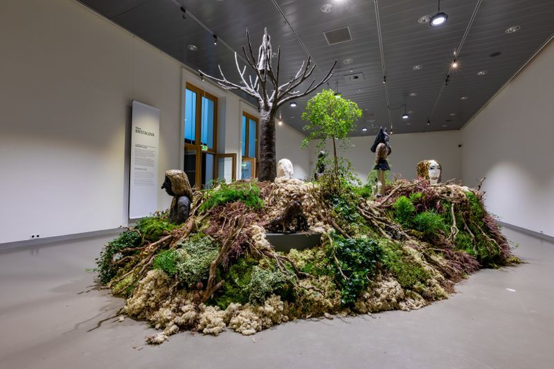 "Klara_Kristalova_View of the group exhibition ""Human After All"" at Keramiekmuseum Princessehof Leeuwarden (Netherlands), 2020_25187"