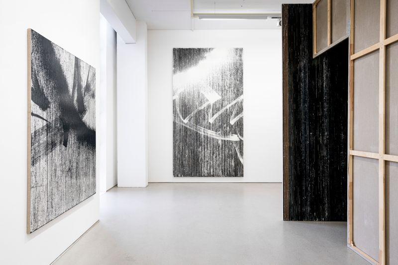 "Gregor_Hildebrandt_View of the exhibition ""LUFT IN ALLEN ZIMMERN - Gregor Hildebrandt"" at G2 Kunsthalle Leipzig (Germany)_25208"