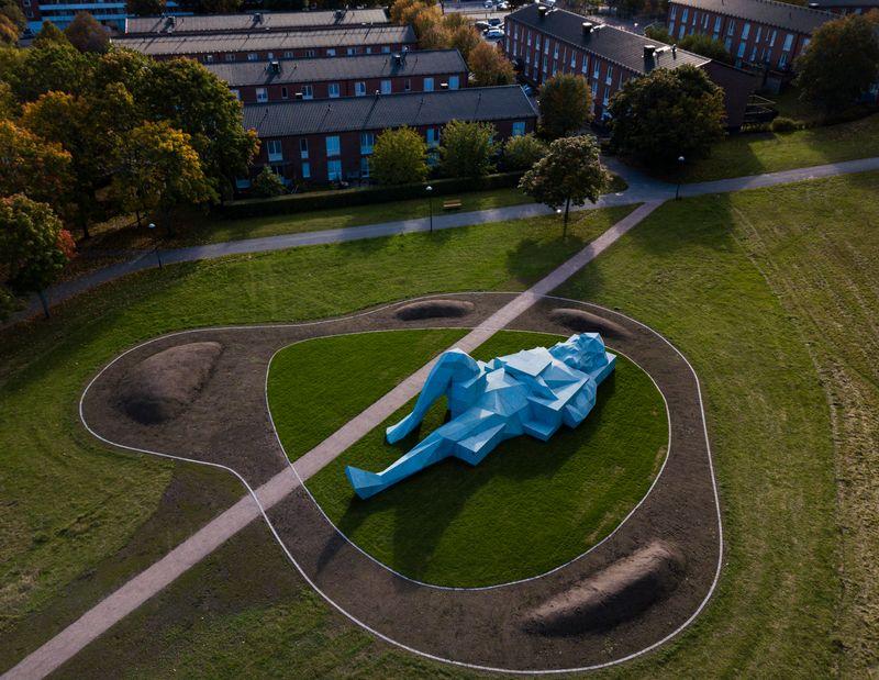"""Xavier_Veilhan2_View of the exhibition """"Vårbergs Jättar (The Vårberg Giants)"""" at Vårberg STOCKHLOM (Sweden), 2020_25290"""